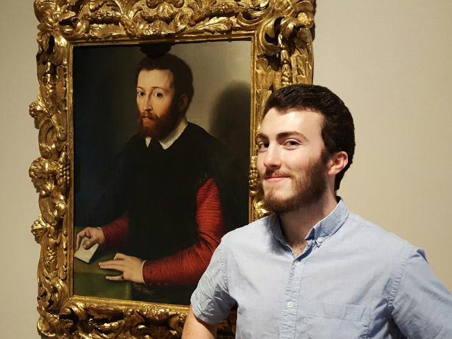 Art museum doppelgängers.