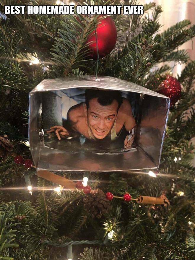 Awesome DIY Christmas ornament.