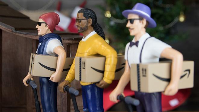 Wise men bringing Amazon gifts.