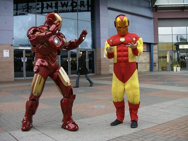 Funny Iron Man cosplay fail.