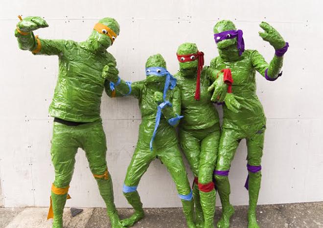 Funny TMNT cosplay fail.