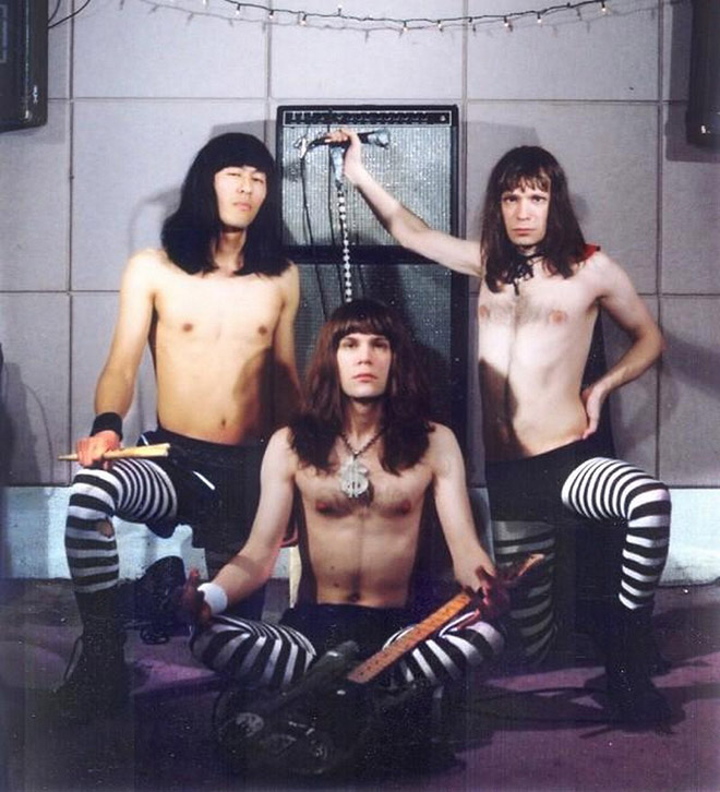Have you ever seen a dumbest metal band photo?